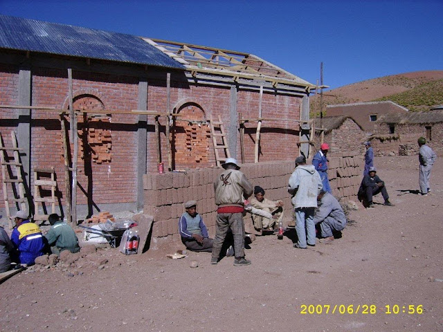 Construction of a new church in the Andes village Guadalupe on 4.200 meters above Sea level