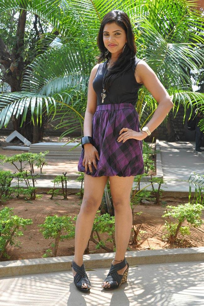Sanchita padukone hot n sexy latest stills