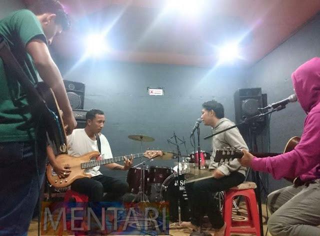 Mentari_Band
