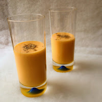 http://cookalifebymaeva.blogspot.fr/2015/02/lassi-mangue-coco-cardamome.html