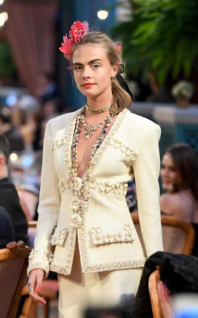 Runway-Magazine-Karl-Lagerfeld-Paris-show-Chanel-Ritz-Eleonora-de-Gray-Editor-in-Chief-Runway-know-how-haute-couture-metiersdart-05