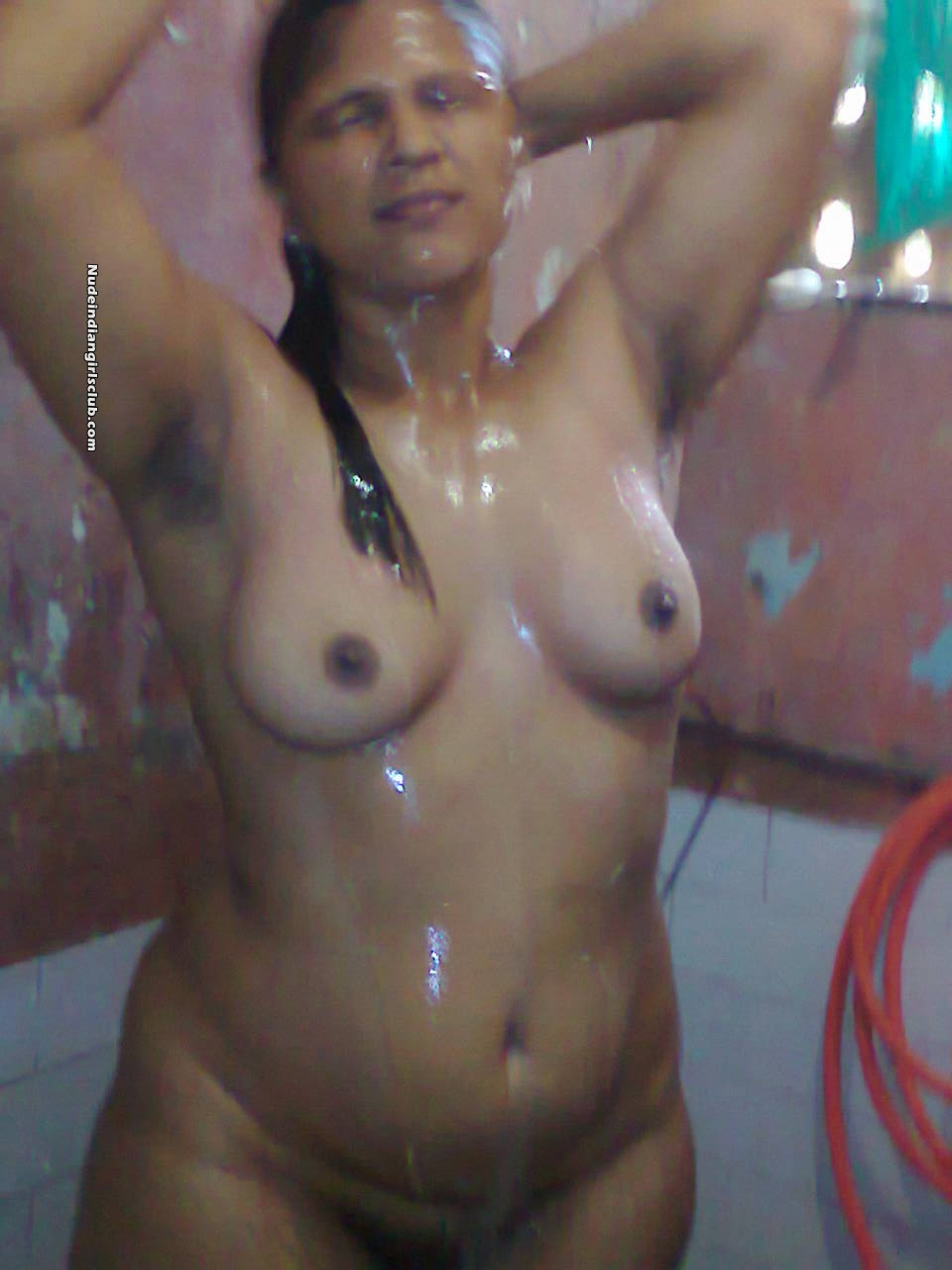Desi Indian Maid Girl Fully Nude Bath At Bathroom Nude -3345