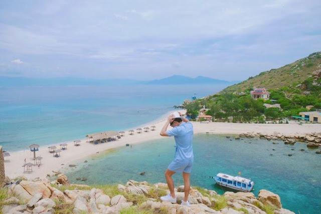 Con đường xuyên biển Đảo Yến