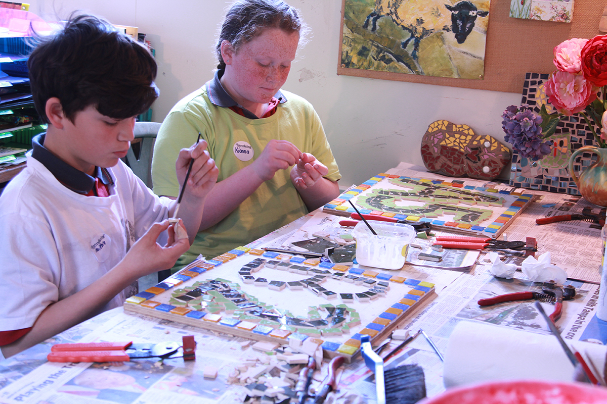 Q. How important is it to focus and concentrate on mosaic making so that  you get into a meditative state while you create a rhythm called Andamento?