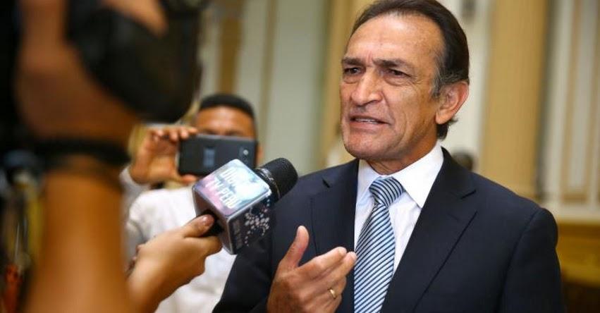 Presentan denuncia constitucional contra el Congresista fujimorista Héctor Becerril