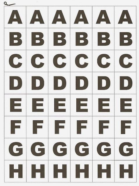 Trouxe um alfabeto móvel para vocês usarem com alunos que estão no processo de alfabetização.