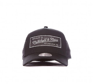Mitchell & Ness Distressed Trucker Cap | Black