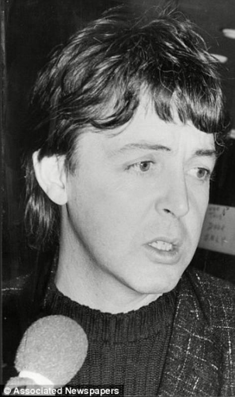 Paul McCartney leaving the AIR Oxford Street studio shortly after the murder of John Lennon (December 9, 1980) Photograph by Paul Fievez
