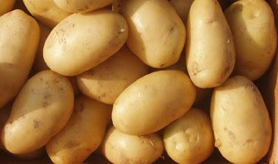 pemutih kulit wajah alami gunakan kentang
