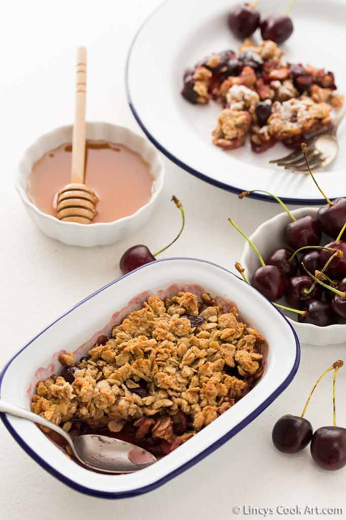 cherry muesli crumble preparation