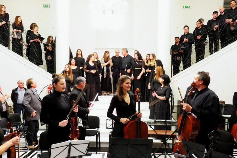 Με επιτυχία πραγματοποιήθηκε στην Αλεξανδρούπολη η συναυλία θρησκευτικής κλασικής μουσικής