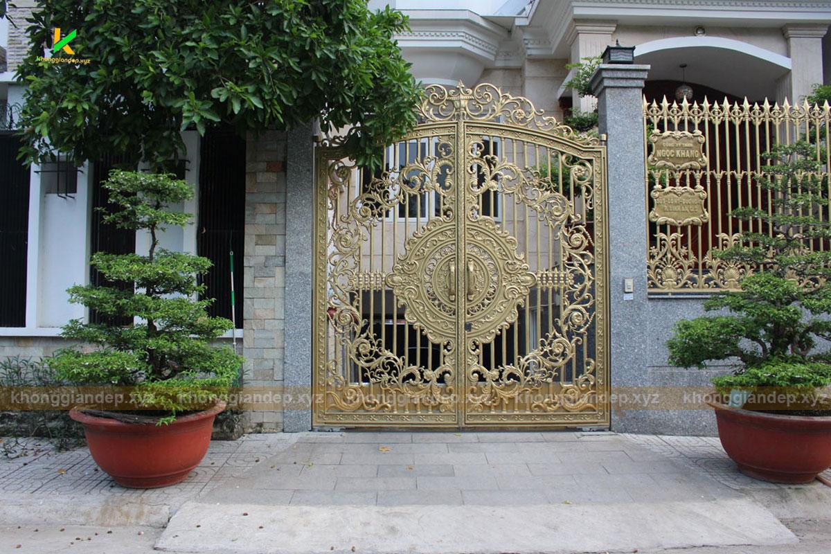mẫu cổng nhôm đúc đẹp ở quận 2 TPHCM