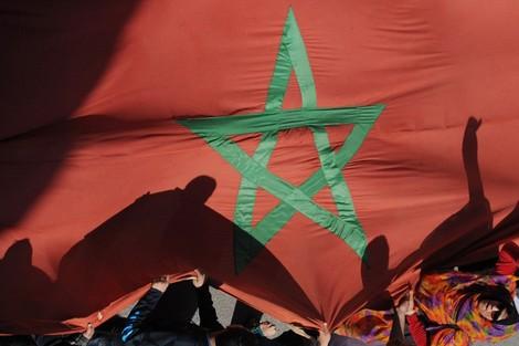 """نشطاء ومهاجرون يروّجون لمبادرة """"المغرب يلد مفكرين لا إرهابيين"""""""