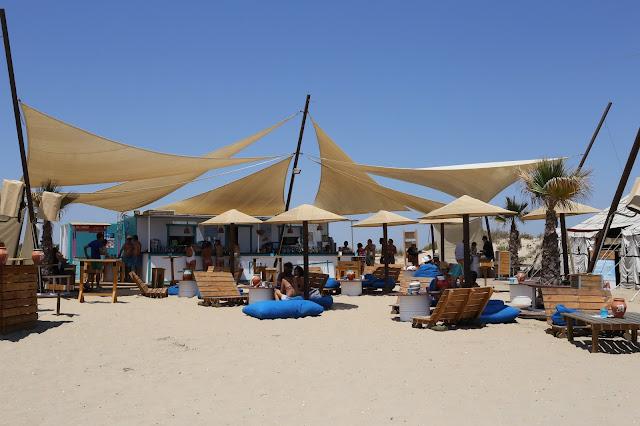 Chiringuito en la playa de Santa Pura