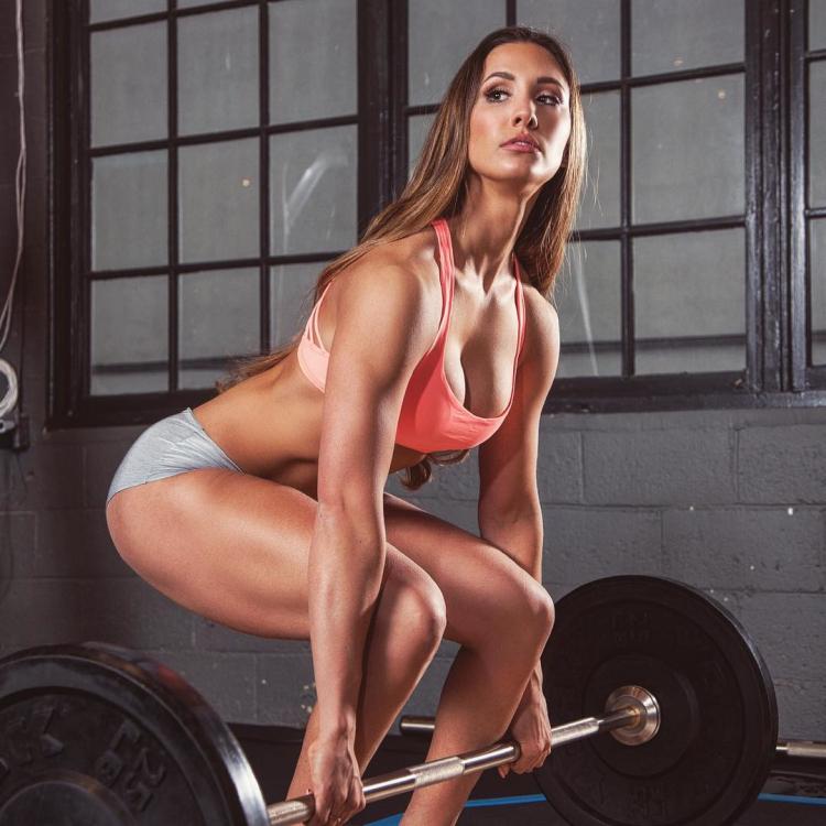 bikini competitor Valérie Benoit