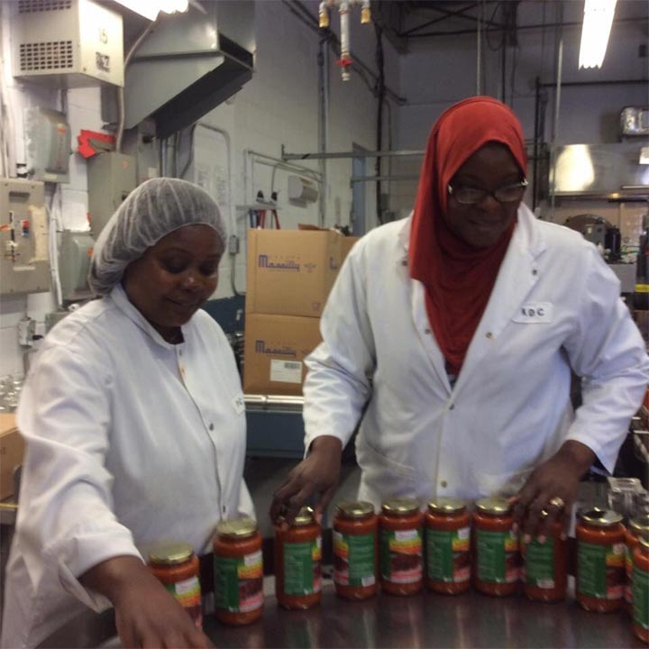"Woman sells packaged ""Nigerian tomato stew"" in Canada"