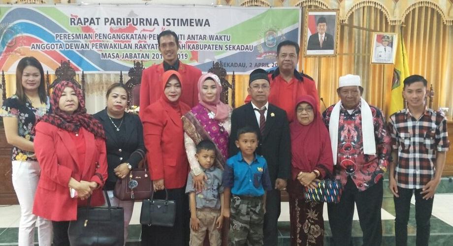 PAW DPRD Sekadau Partai PDIP oleh Horison Gantikan Negek