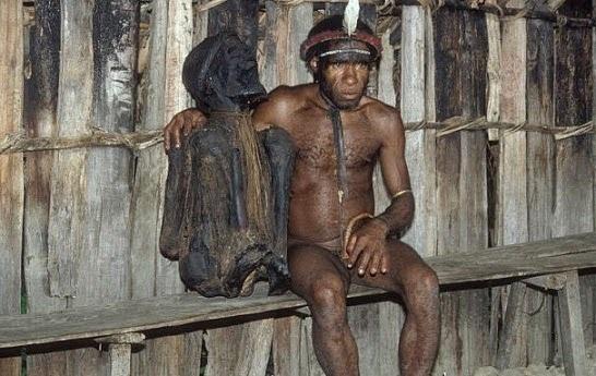 Sejarah dan Kebudayaan Suku Asmat ( Artikel Lengkap )
