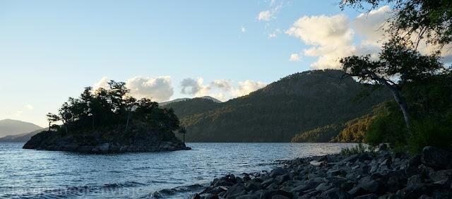La Islita, Lago Lacar, sendero, camping agreste