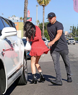 Kylie-Jenner-Upskirt-312+%7E+SexyCelebs.in+Exclusive.jpg
