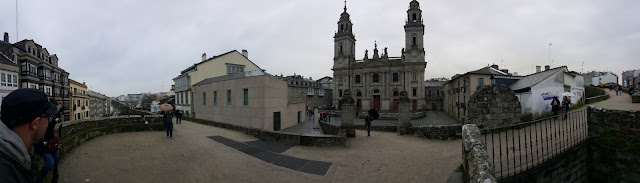 Panoramic shot of the cathedral and the wall of Lugo, and the profile of Hugo