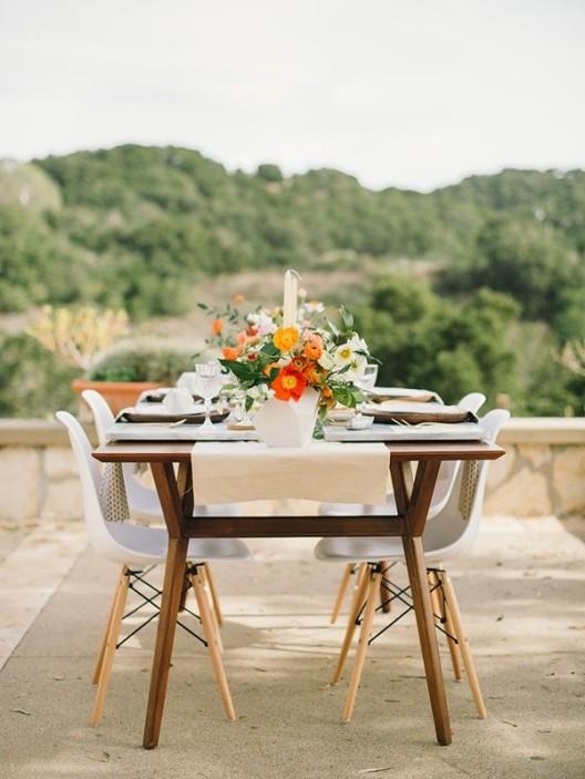 sillas eames de fibra blanca y madera chicanddeco