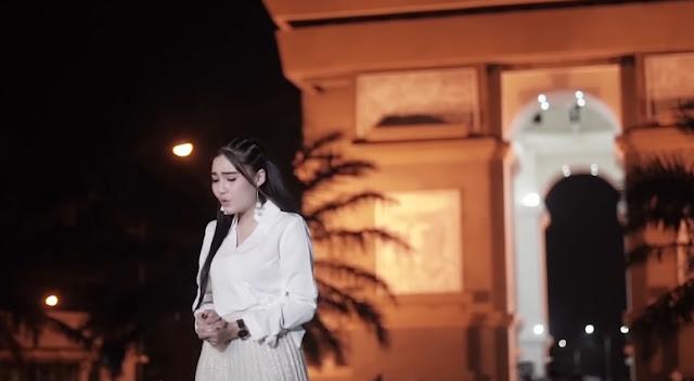 Lagu Dangdut Nella Kharisma - Kemarin (Versi Dangdut)