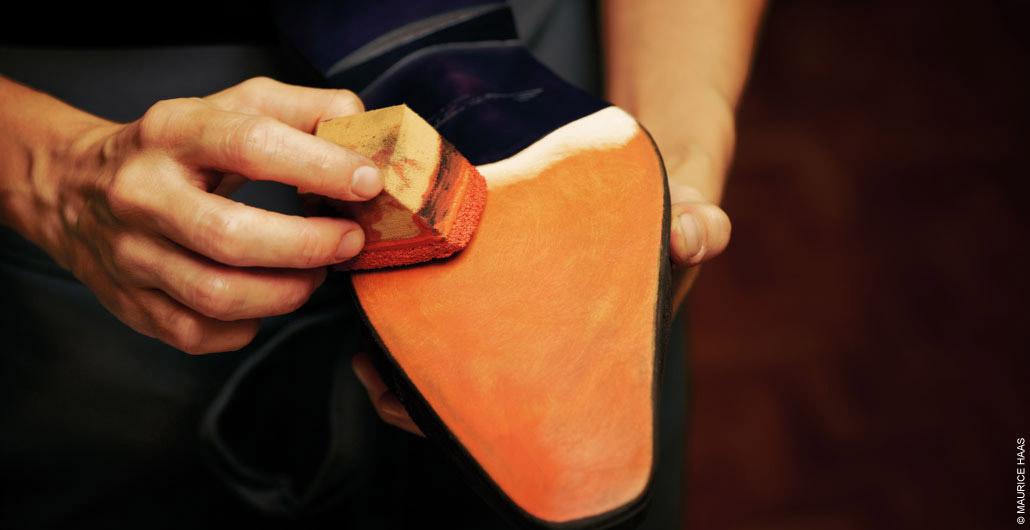 7894aa9169 En el caso de que se apreciara algún sedimento habrá que cepillar los  zapatos hasta que no haya resto alguno.