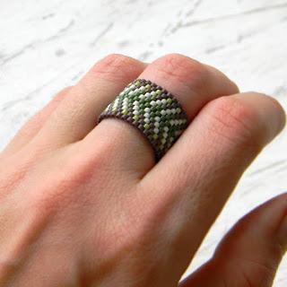 купить этнические украшения из бисера  купить женское широкое кольцо из бисера