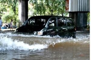 waspada mobil kena banjir