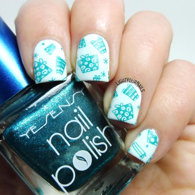 Christmas gift boxes stamping nail art