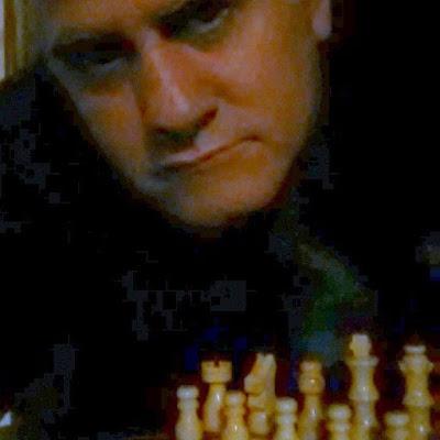 """Arquivo pessoal de charlesnetto: No meu tabuleiro de Xadrez a qualquer momento o """"Rei"""" estará em """"xeque-mate"""" e poderá ir literalmente para o """"XADREZ""""... E a Rainha já foi tirada do Jogo... Neste ano de 2017 tudo de bom poderá acontecer e veremos realmente todos os CORRUPTOS E CORRUPTORES NO XADREZ... E concluo bem assim: Xadrez para quem merece..."""