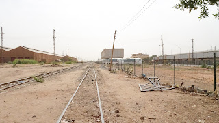Protesters come by train to Khartoum