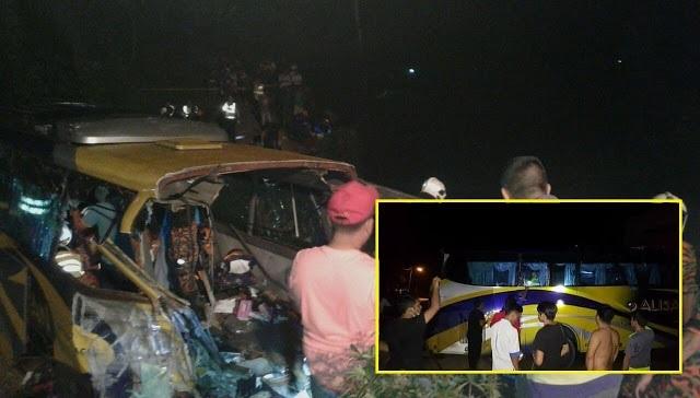 13 Maut, 17 Orang Cedera, Bas Jatuh Gaung Di Muar
