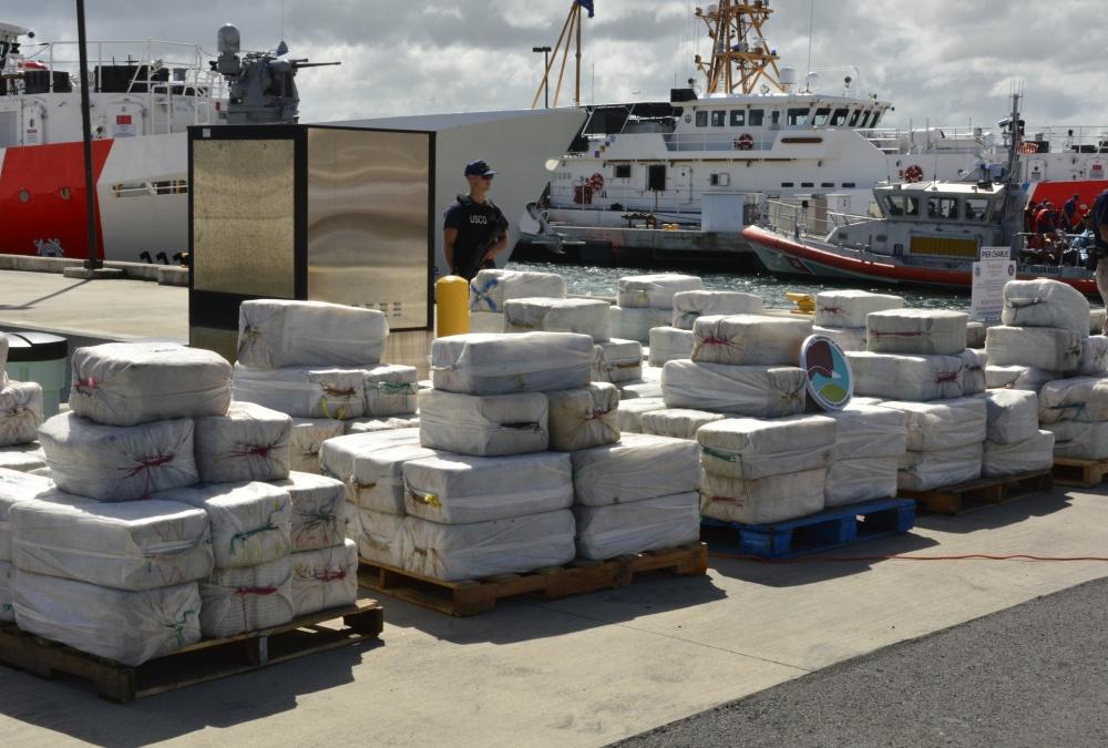 Autoridades asestan duro golpe al narco, decomisan cocaína con valor de mas de 300 millones de Dolares