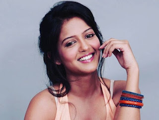 Gulki Joshi Biography Age Height, Profile, Family, Husband, Son, Daughter, Father, Mother, Children, Biodata, Marriage Photos.