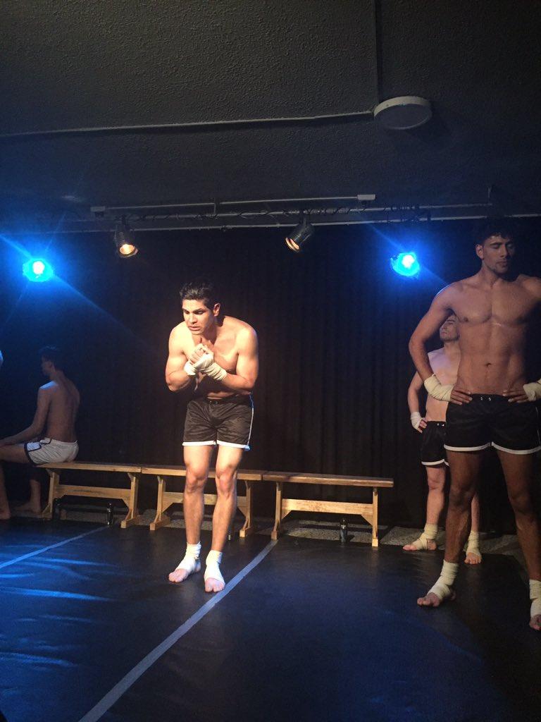 chicos jovenes desnudos dunia montenegro