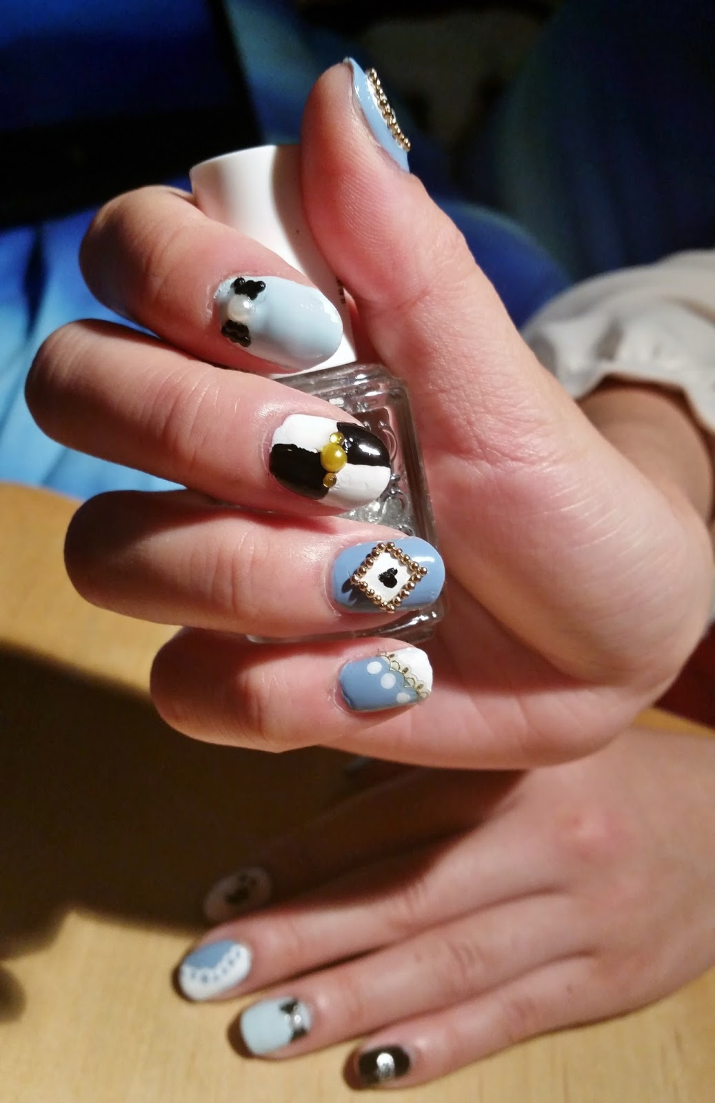 Beauty in Everyday Life: Manicure Monday: Alice in Wonderland ...