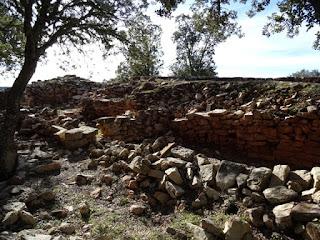 Construcciones. Interior de la muralla
