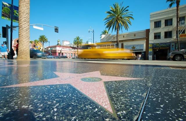 Calçada da fama em um roteiro de viagem em Los Angeles