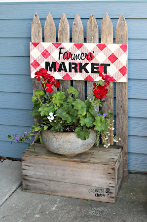 Marriage of a Picket Fence & Crate/Buffalo Check Sign