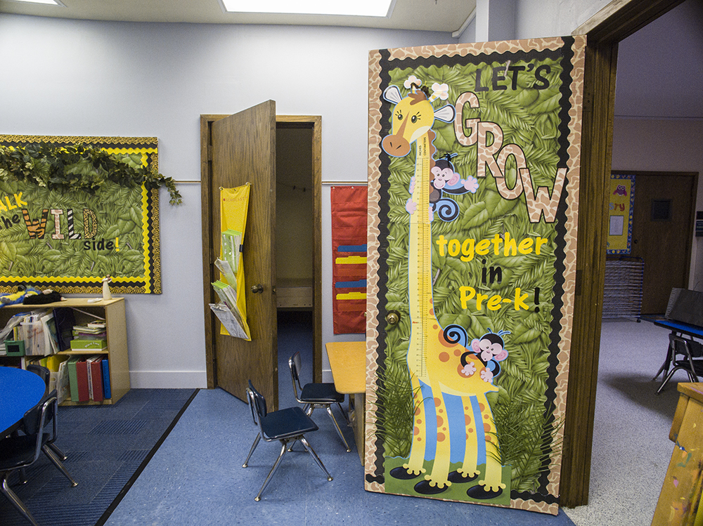 Jungle Classroom Decoration Ideas ~ Back to school photo booth thehappyteacher