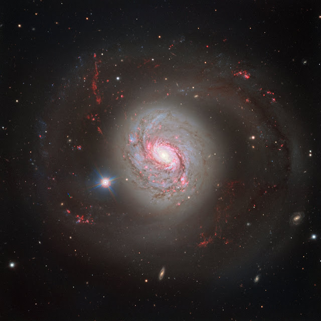 Dazzling spiral with an active heart: Barred spiral galaxy Messier 77