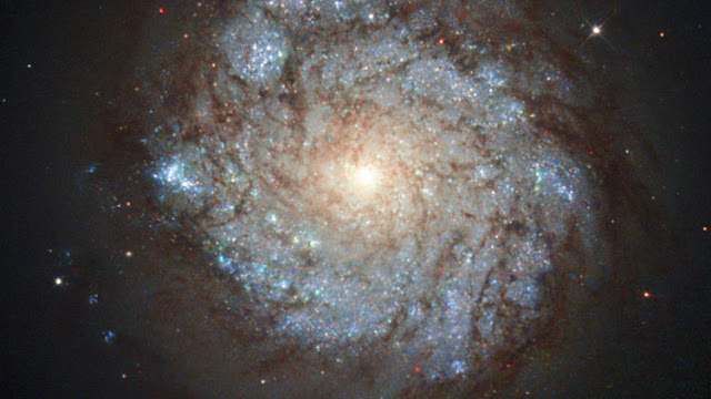 La NASA revela el secreto de una de las galaxias de la constelación de Casiopea