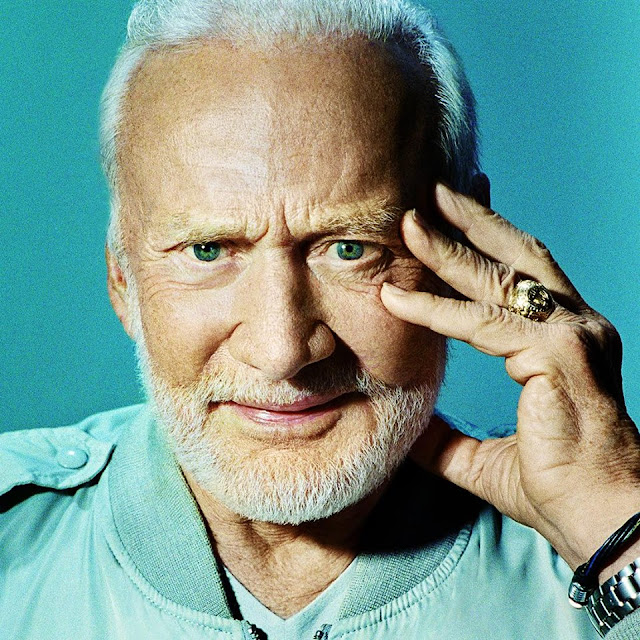 Buzz Aldrin age, death, family, date of birth, mother, wife, how old is, neil armstrong, aliens, punch, antarctica, edwin, moon, astronaut, south pole, ufo, autograph, photo, books, mars, depression, did die, alcoholic, information, dr, apollo 11, facts, selfie, freemason, quotes, twitter