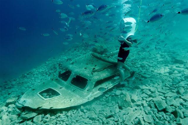 barca scufundata-mare-scafandru