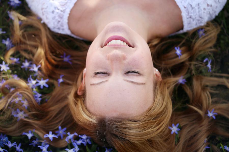 Portrait liegend blaue Blumen