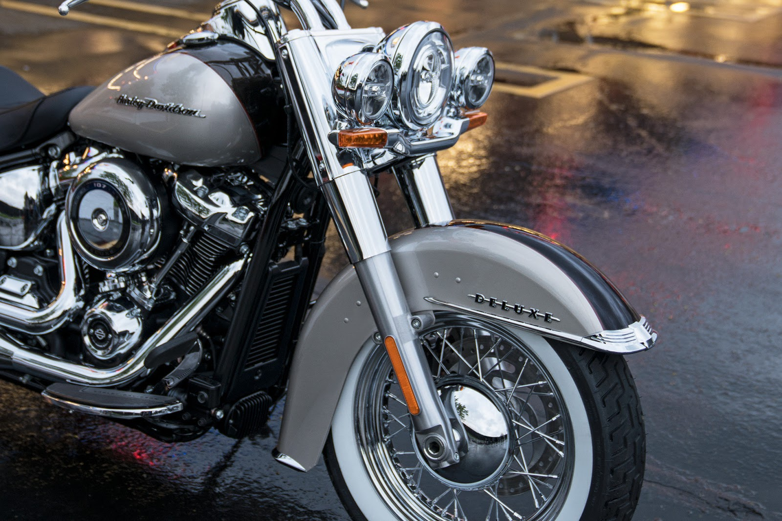 biker excalibur II: 2018 Harley-Davidson Deluxe