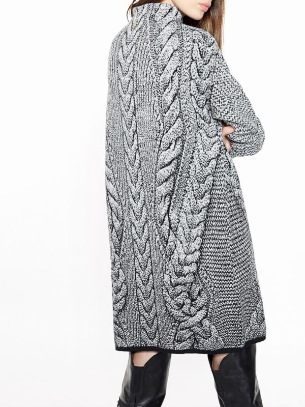 sweter w wielkie warkocze