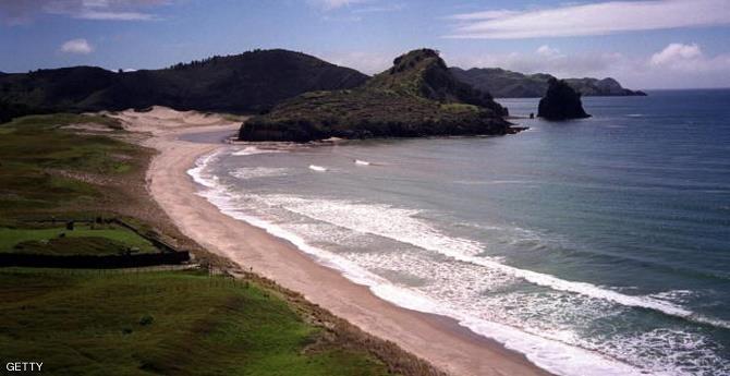 اكتشاف بحيرات عجيبة فى اراضى نيوزيلندا